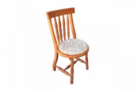 Саша (деревянный стул)